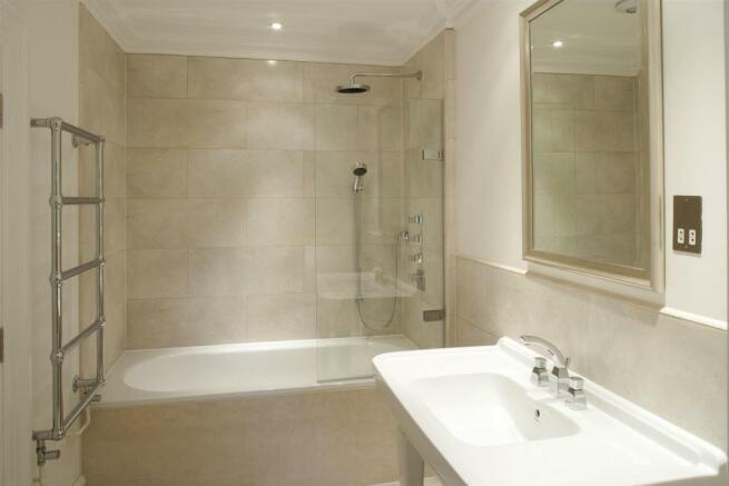 Grove House, bathroom shot 3.jpg