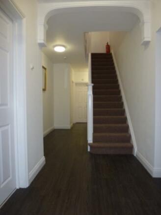 8 Tol hallway from front door_med_med