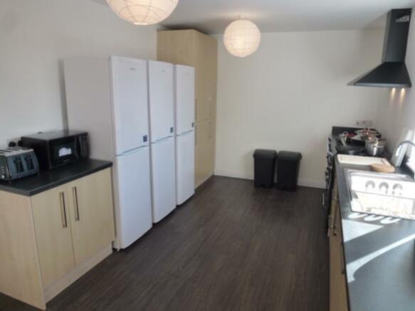 8 Tol kitchen from island_med_med