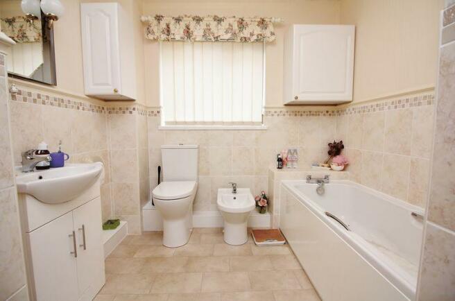 En Suite Bath ...