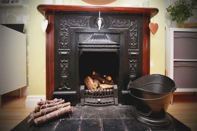 Living Room Fe...
