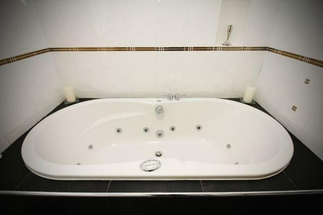 Luxury Whirlpo...