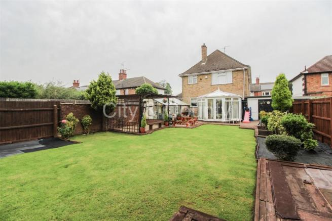 4 bedroom detached house for sale in Dogsthorpe Road ...