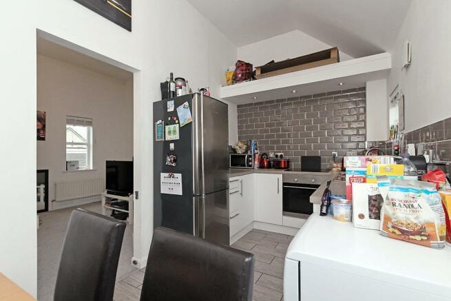 Onyx-Kitchen-Dining_2.jpg