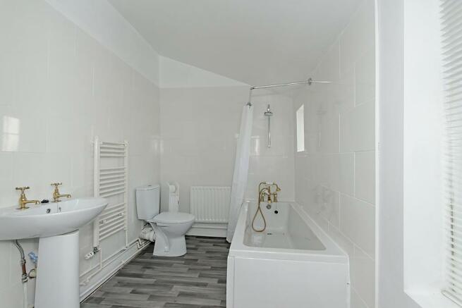 Cha-Bathroom.jpg