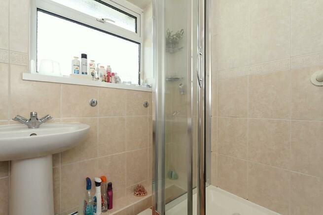 Ste-Bathroom.jpg