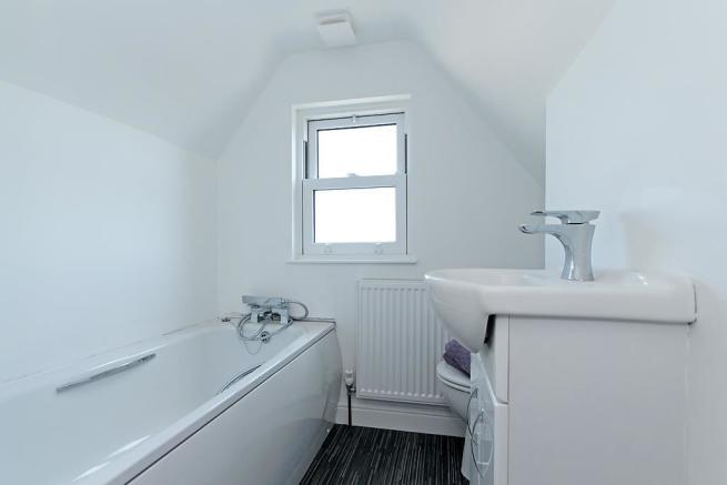 Cam-2nd-Flr-Bathroom.jpg