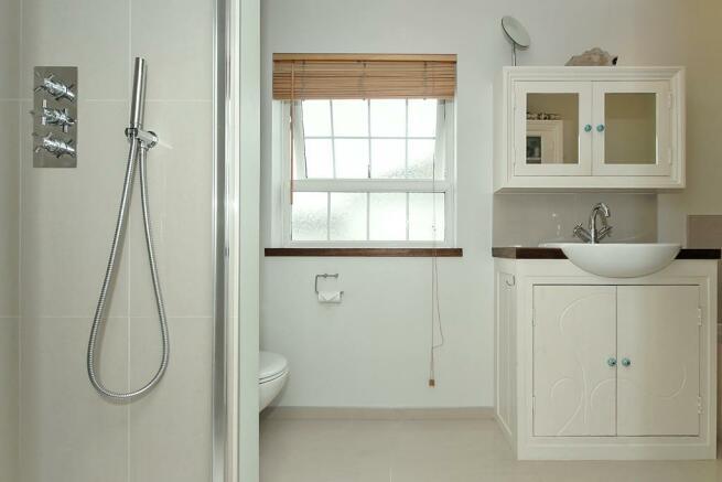 Adi-Bathroom_1.jpg