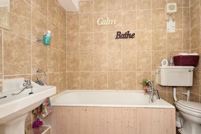 Bur-Bathroom.jpg