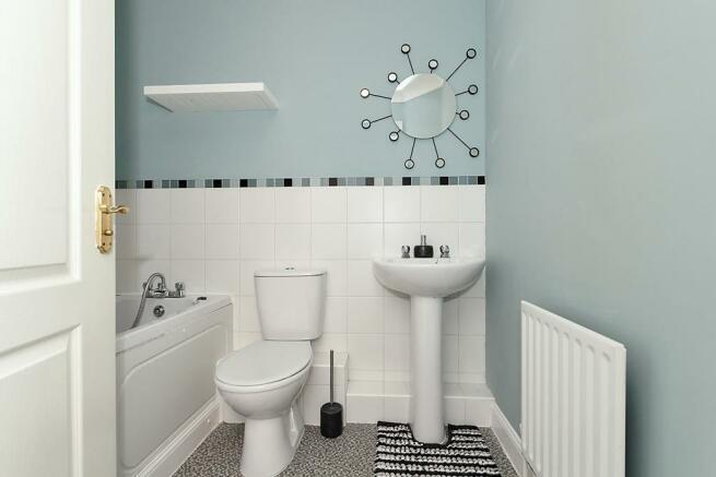 Sal-Bathroom.jpg