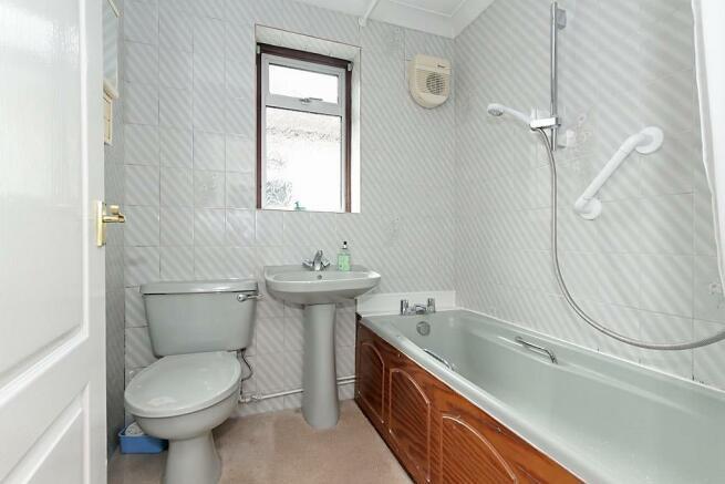 Bou-Bathroom.jpg