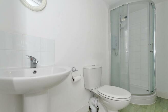 Flat-1-Bathroom.jpg
