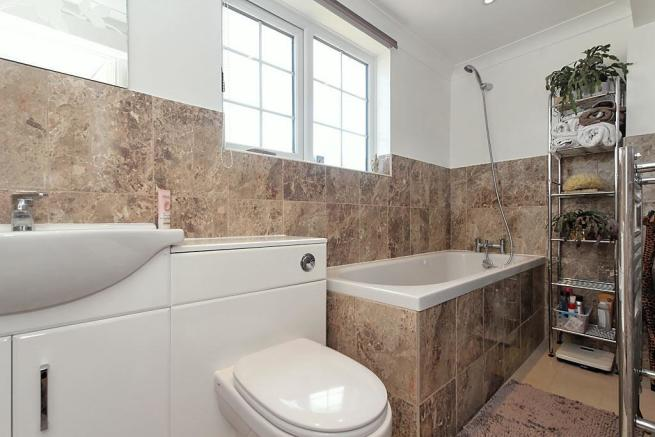 Fer-Bathroom.jpg