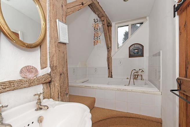 Manor Farm House Family Bathroom