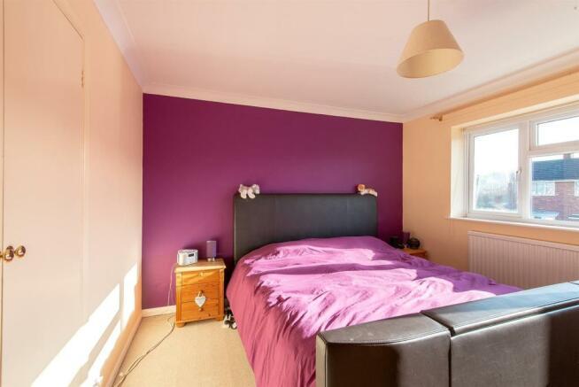 47 Woodpecker Road bedroom1.jpg