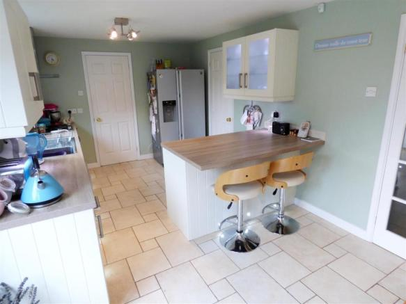 Re-fitted Kitchen Ar