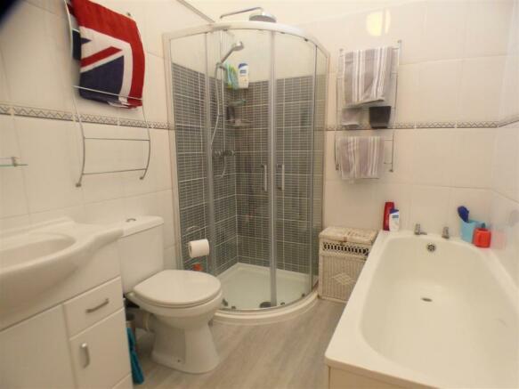 Four Piece Suite Bathroom