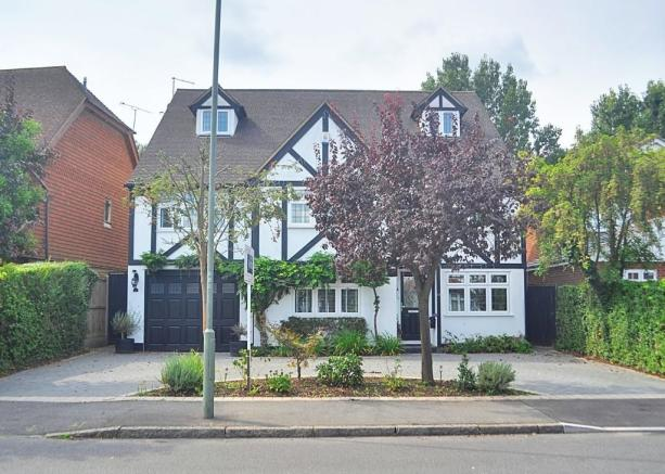 7 Bedroom Detached House For Sale In Beaumont Road Petts Wood Br5