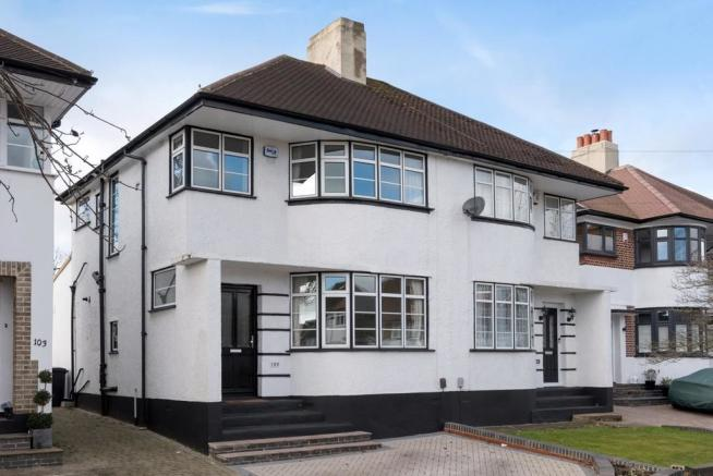 3 Bedroom Semi Detached House For Sale In Beaumont Road Petts Wood Br5