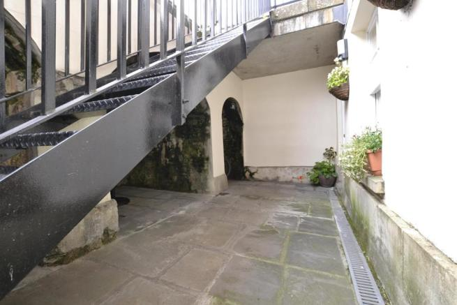 Courtyard front 2
