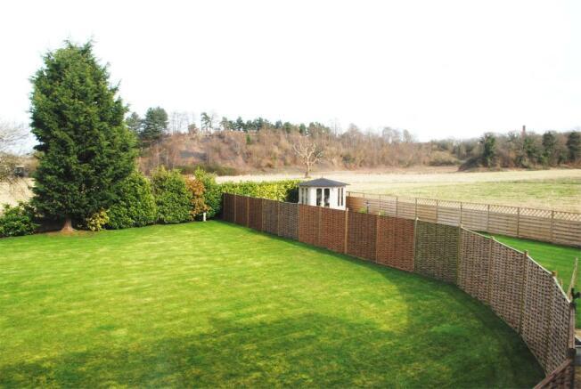 Garden & rear aspect