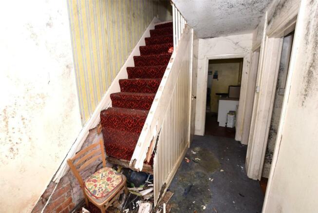 Hallway (broken stairs)