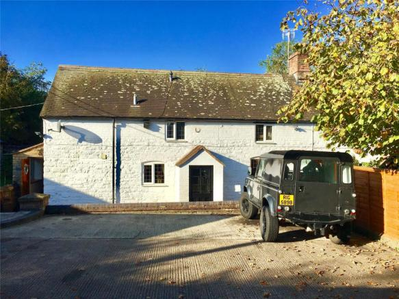 Cheynes cottage pic x 11
