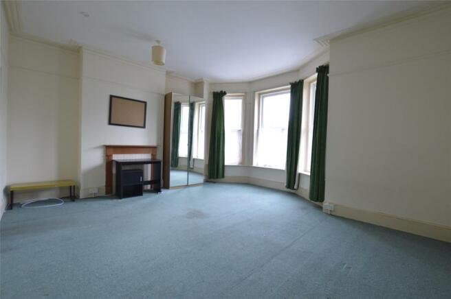 Bed / Living flat 3