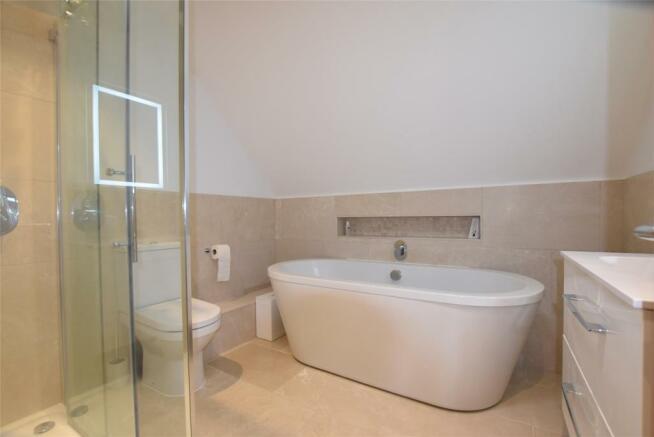 En Suite` Bathroom