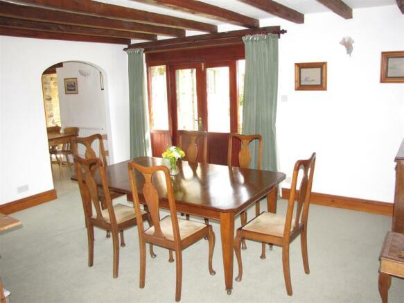 7207 Dining Room.JPG