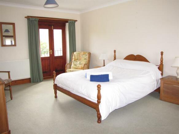 7207 Bedroom 3.JPG