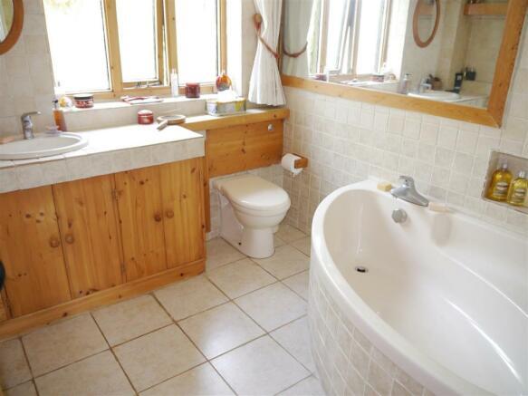 badgers bathroom.JPG