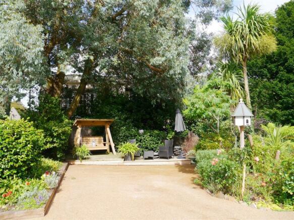 carriage garden 1.JPG