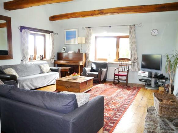lower living room 2.JPG