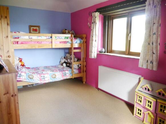 lower bedroom 2.JPG