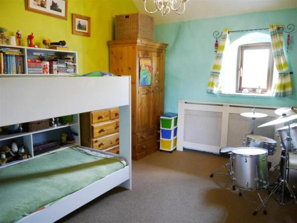 lower bedroom 3.JPG