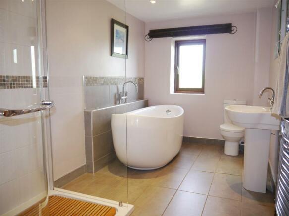 lower bathroom 1.JPG