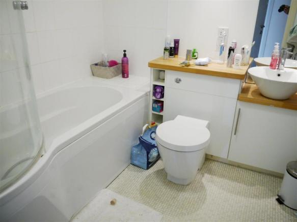 whym bathroom 1.JPG