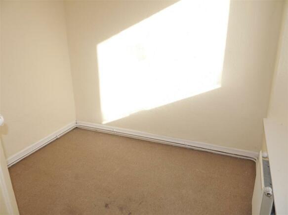 mitchell hill bedroom 2.JPG