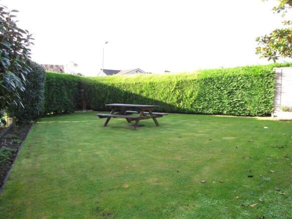 7331 Side Garden.JPG