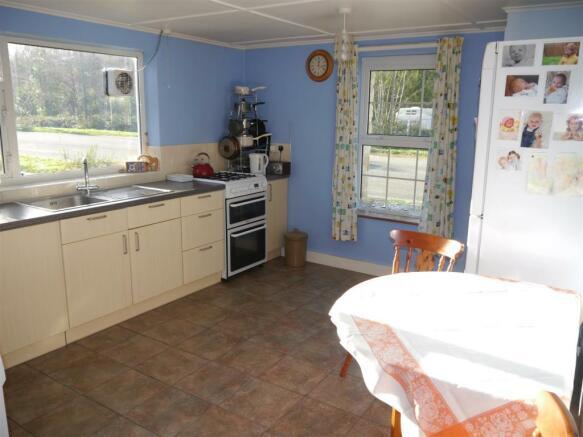 grove kitchen 1.JPG