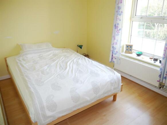 grove bedroom 3.JPG