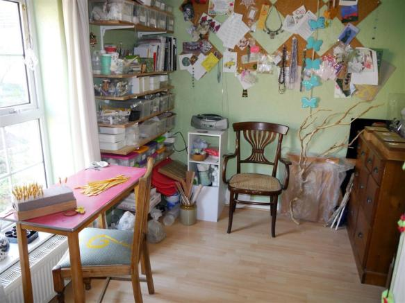 grove bedroom 4.JPG