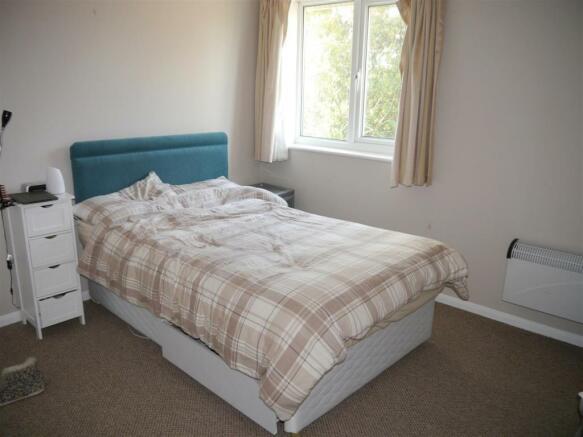 hicks bed 1.JPG