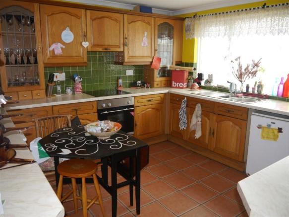 kes kitchen 1.JPG