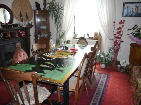 kes dining room 1.JPG