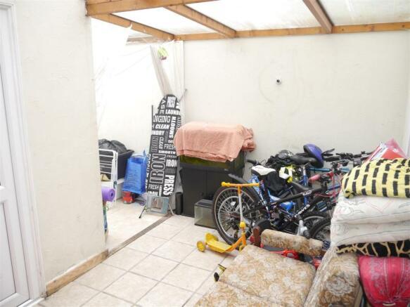 kes garden room 1.JPG