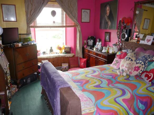 kes bedroom 1.JPG