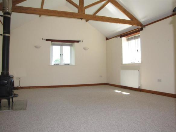 7745 Sitting Room.JPG