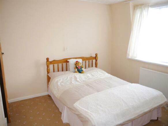 tren bedroom 2.JPG